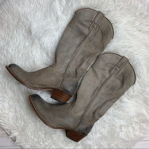 Frye Distressed Mid Calf Boot Size 8 !